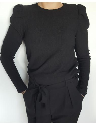 Haut noir à épaulette